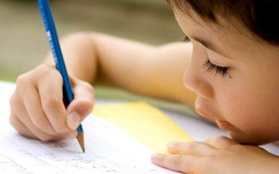 شروع به نوشتن و در دست گرفتن مداد